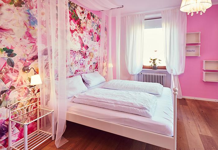 Doppelbett im Romantik-Stil